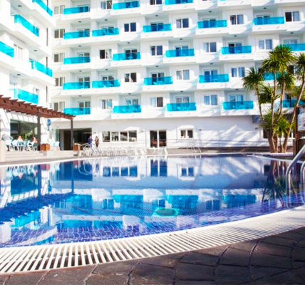Piscina Hotel Acuazul