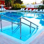 Hotel Alborán Algeciras: Hotel en Algeciras Piscina al Aire Libre