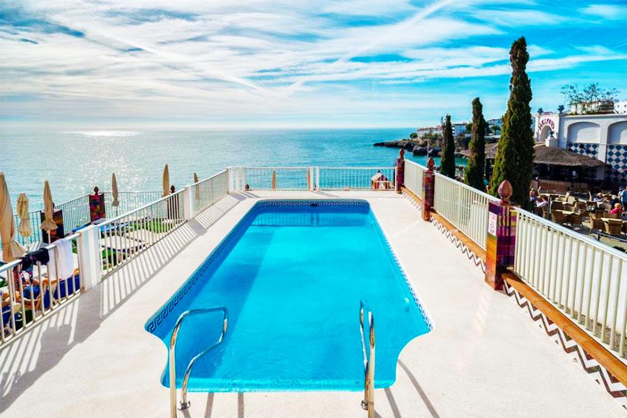 Piscina Hotel Balcón de Europa