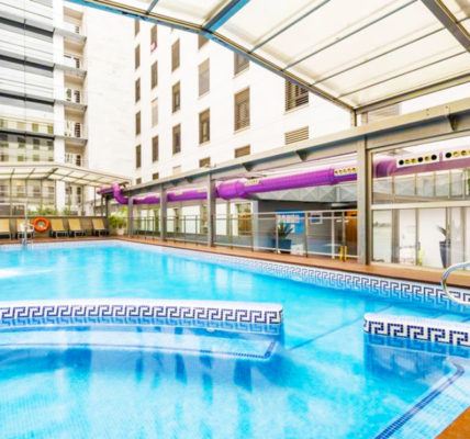 Piscina Hotel Ilunion Malaga