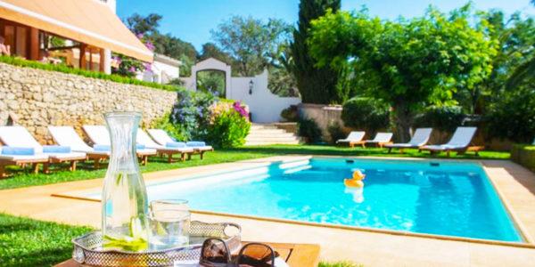 Piscina Hotel La Fuente de la Higuera