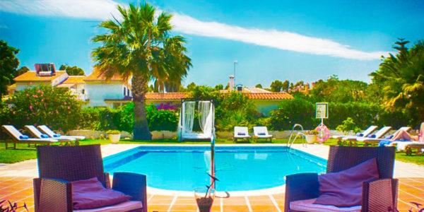 Piscina Hotel Malaga Picasso
