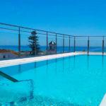 Hotel Mena Plaza: Hotel en Nerja Piscina con Vistas al Mar