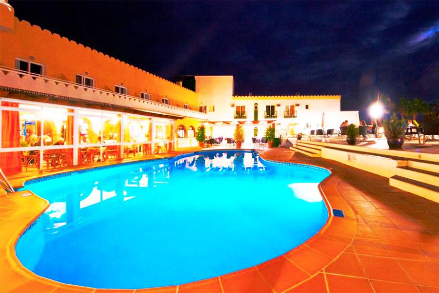 Piscina Hotel Nerja Club & Spa
