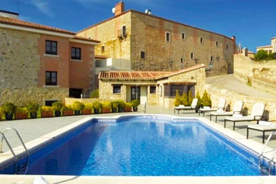 Piscina Hotel Parador de Trujillo