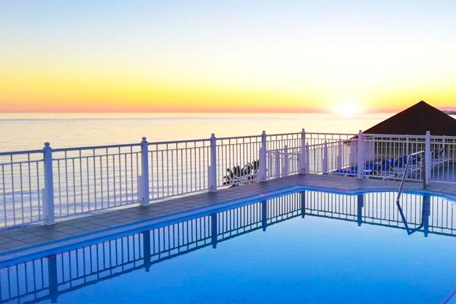 Piscina Hotel Perla Marina
