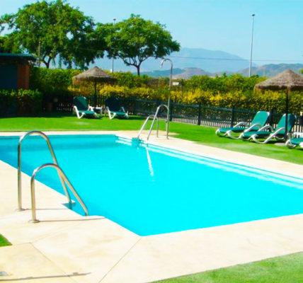 Piscina Hotel Posadas de España Malaga
