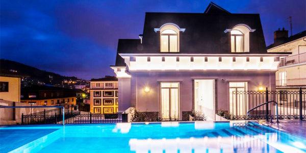 Piscina Hotel Villa Eugenia